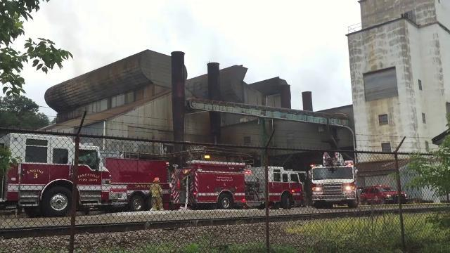 Glass plant fire in Zanesville