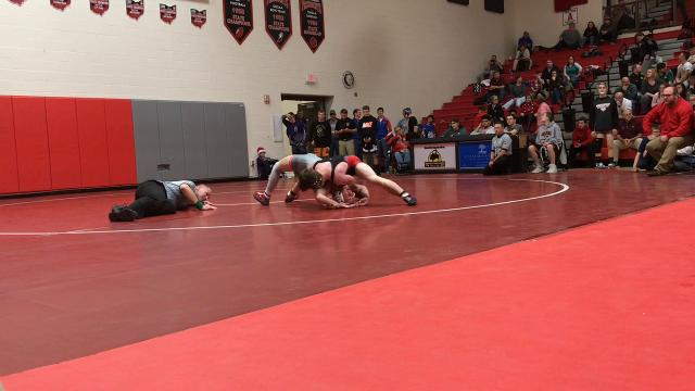 Ridgedale's Kalib Patterson finishes third at 120 pounds at the Harding Classic, beating Van Wert's Josh Dorsch 15-3 and overcoming a disqualification in the semifinals.