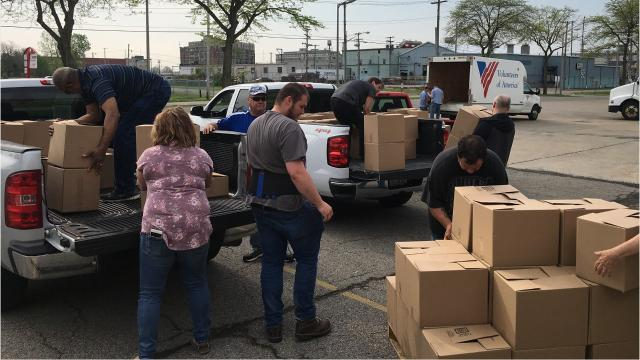 The National Association of Letter Carriers Monday loaded up almost 11,000 pounds of non-perishable food items collected by postal carriers on Saturday from the Mansfield community.