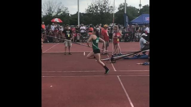 Footage of Kassidie Stimmel's final two clears for a state crown Friday.