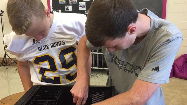 Greencastle students build computers
