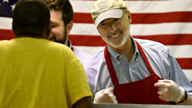VIDEO: Gov Wolf and team serve breakfast at soup kitchen