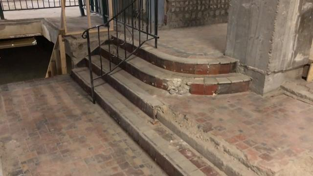 Renovation on the Historic Plaza Hotel in downtown El Paso is set to begin in January 2018 and be completed by the Spring of 2019. This will give El Paso another downtown hotel less than 1,000 feet from the Convention Center.