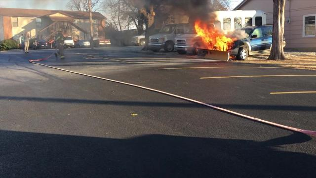 MH firefighters quickly entinguish SUV fire