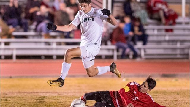 The El Diamante High boys soccer team is aiming to contend for West Yosemite League and Central Section Division II titles.