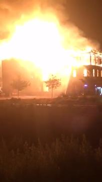 Eyewitness footage from the Windsor Mill fire