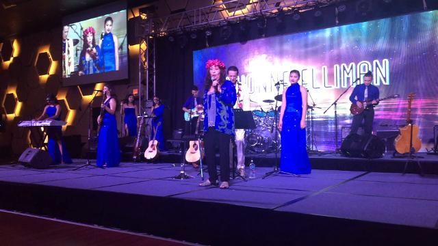 Singer Yvonne Elliman talks about her life during a concert at Dusit Thani Resort Guam on Aug. 19, 2017.