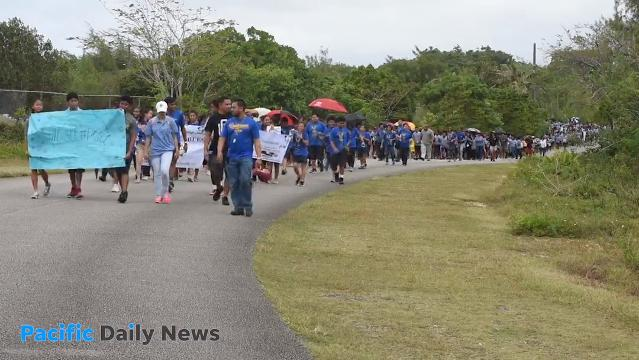 Students march to promote peace