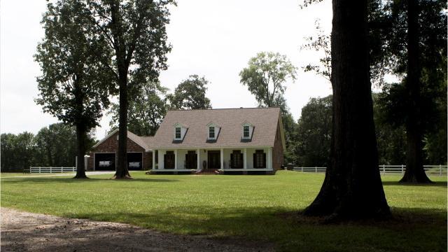 Take a tour of 325 Venable Lane, Monroe, Louisiana 71203, a home selling for $2,000,000.