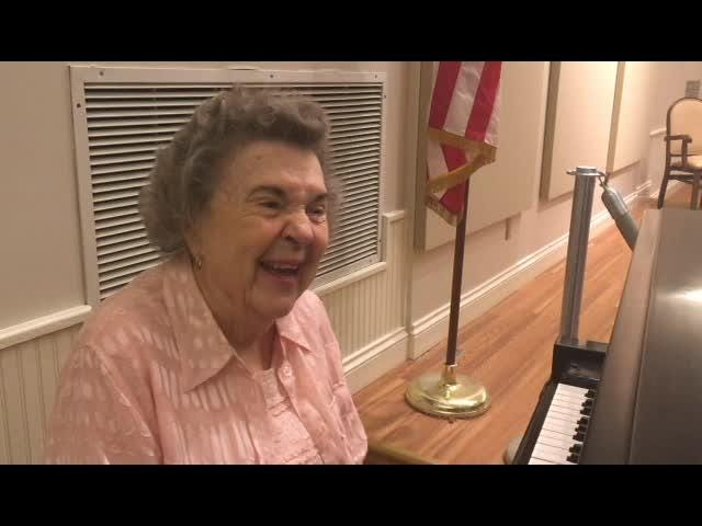 90-year-old pianist: 'Music is my therapy'