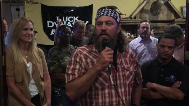 """""""Duck Dynasty"""" stars Willie and Korie Robertson hope their restaurant Willie's Duck Diner will bring tourists to Louisiana and his hometown of West Monroe."""