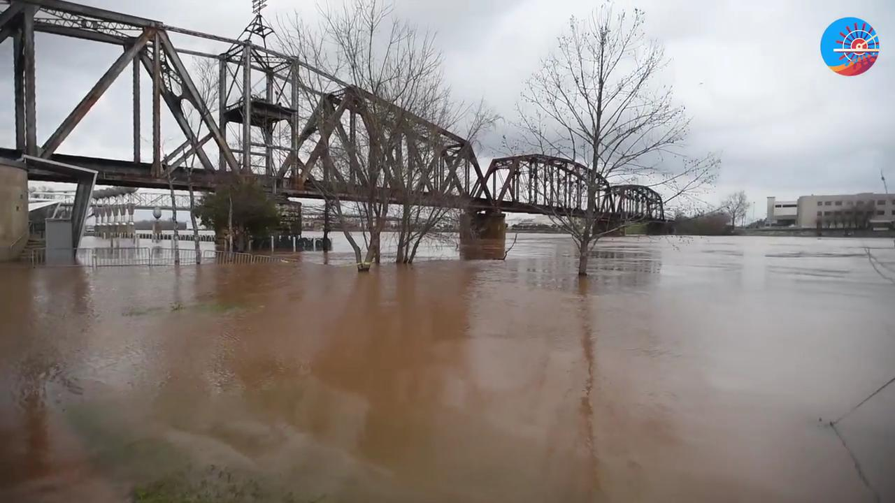 Travel with us as we see the flooding of the Red River.