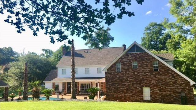 This immaculate home is situated on more than 17 beautifully manicured acres on Avant Road in West Monroe.