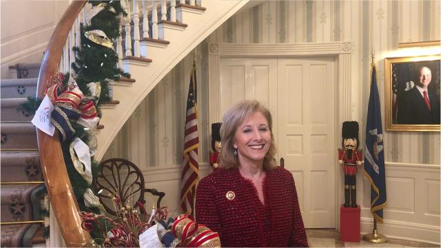 First Lady Donna Edwards wishes all of Louisiana a Merry Christmas.