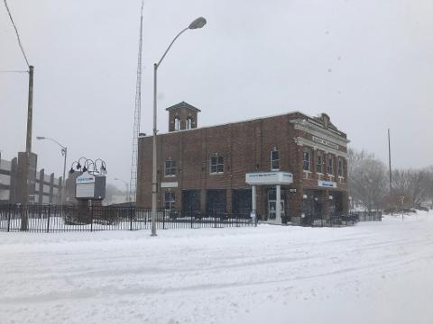 Downtown Salisbury woke up to a layer of white on its doorsteps Thursday, with blustering winds and icy temperatures in full effect as the city welcomed the first snow storm of the new year.