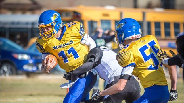 Mustangs advance to playoffs