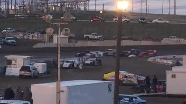 Video of eight-lap IMCA Modified heat race May 4 at Electric City Speedway.