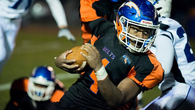 Millville defeated Williamstown 20-14 Friday to advance in the SJ Group 5 playoffs. 11.10.17