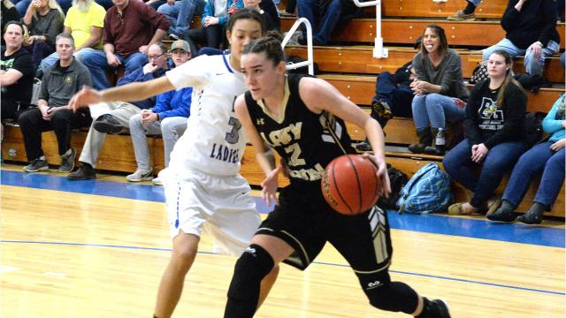 Buffalo Gap almost let a nine-point halftime lead slip away, but held on for a 43-35 win over Robert E. Lee.