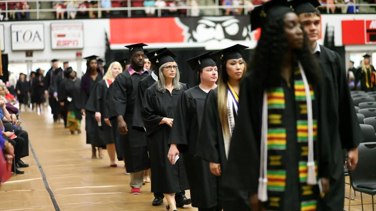 Austin Peay State University held its Summer 2017 graduation Friday afternoon.