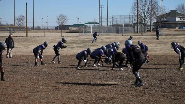 Clarksville Airborne football team practices