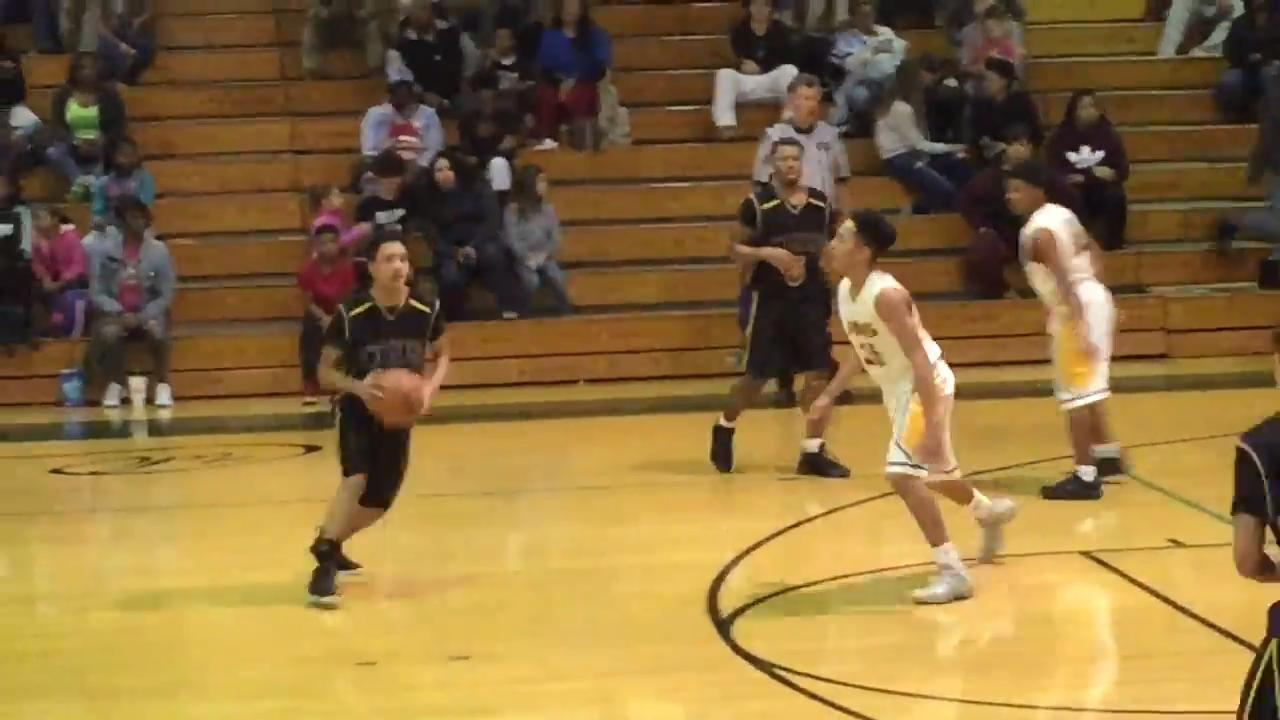 Boys basketball highlights: Clarksville High 64, Northwest 52
