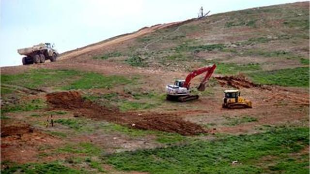 Rutherford County Commissioners Steve Pearcy and Will Jordan spoke against a proposed expansion of the private Middle Point Landfill through the possible sale of adjacent county landfill property.