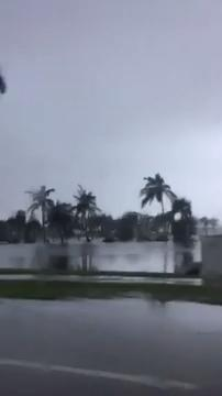 Hurricane Irma: Flooded streets in Naples