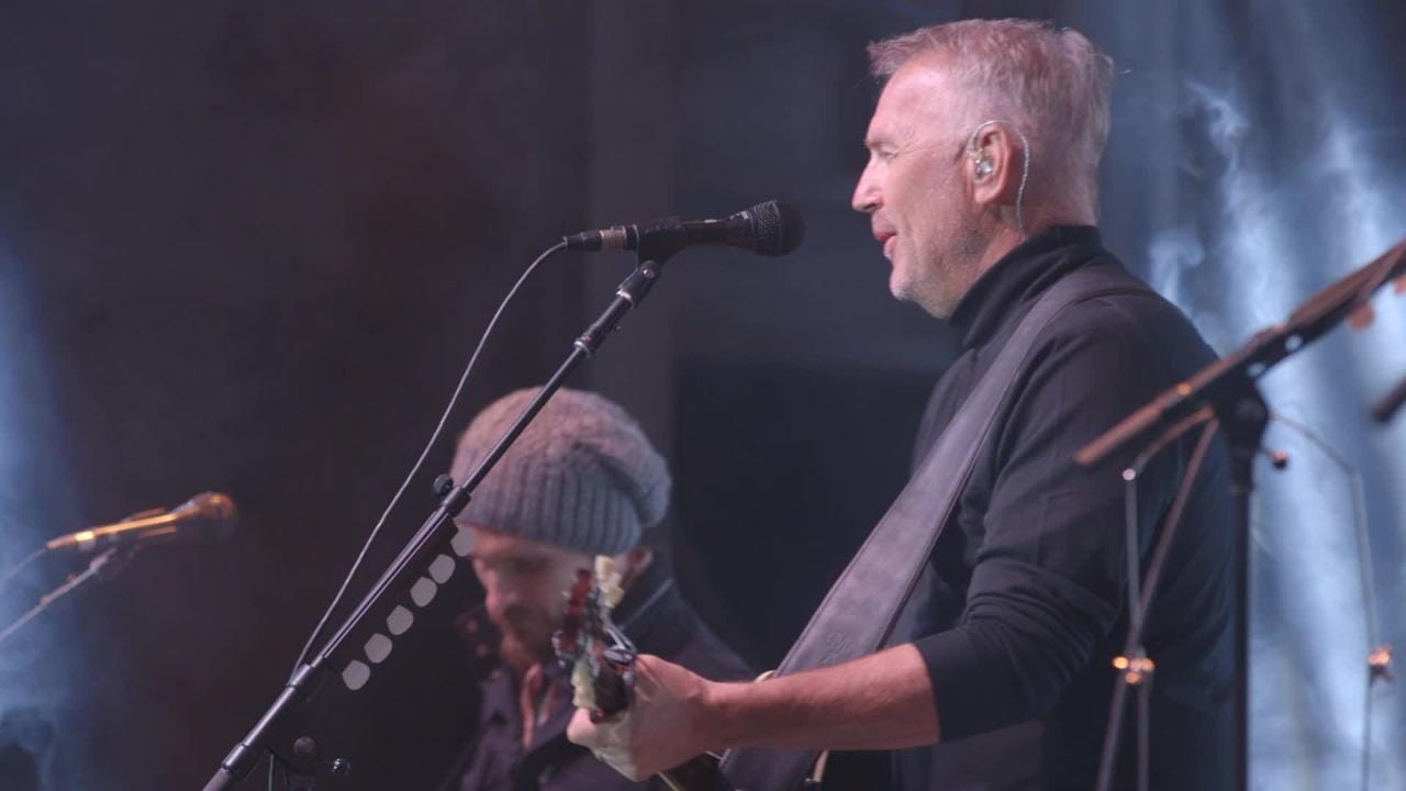 Kevin Costner and Modern West performing at the Thomas Fire Benefit (1 of 2)