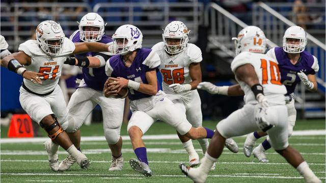 CLAMPING DOWN: Refugio tops Mason 38-14