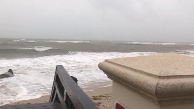 Video: Sexton Plaza in Vero Beach taking a beating from Irma