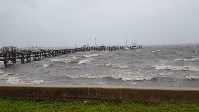 Video: Jensen Beach docks pounded by waves