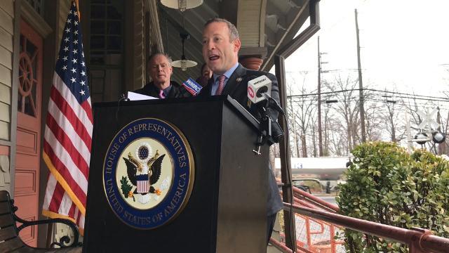 Josh Gottheimer introduces legislation to kick start the Gateway Project.