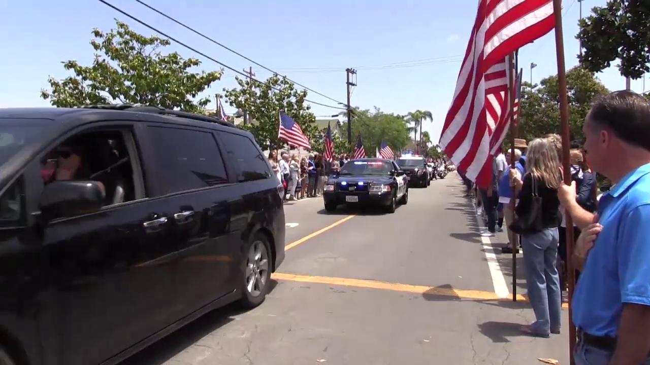 Thousands mourn fallen Navy SEAL Charlie Keating at Coronado