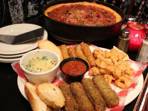 Iconic Chicago pizzeria Gino's East coming to Phoenix