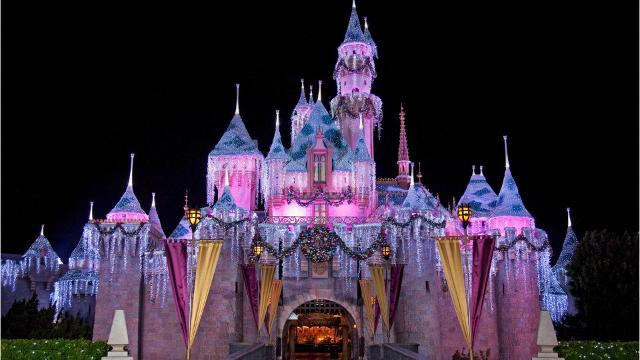 it will be a very disney christmas starting in november - Disneyland Christmas