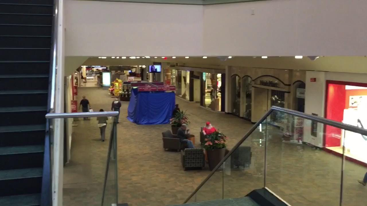 VIDEO: Christmas Eve at Rockaway Townsquare