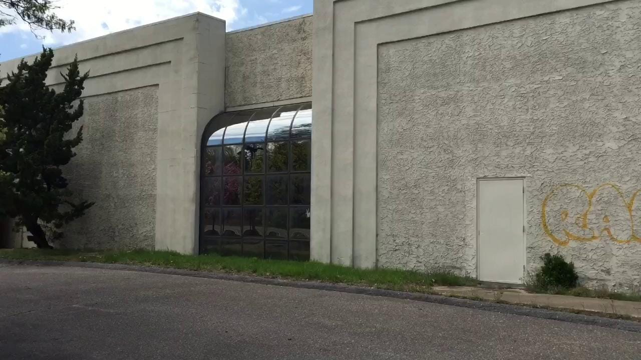Watch What S Replacing Old Levitz Shop In Wall