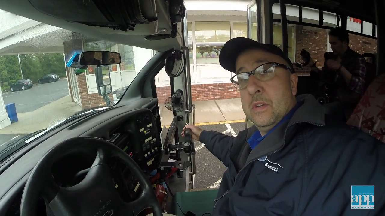 Mike Rabinowitz, a classically trained opera singer and full-time bus driver, uses his vocals to entertain the locals. VIDEO BY: BRIAN JOHNSTON. FOLLOW AT: @bjohnstonAPP