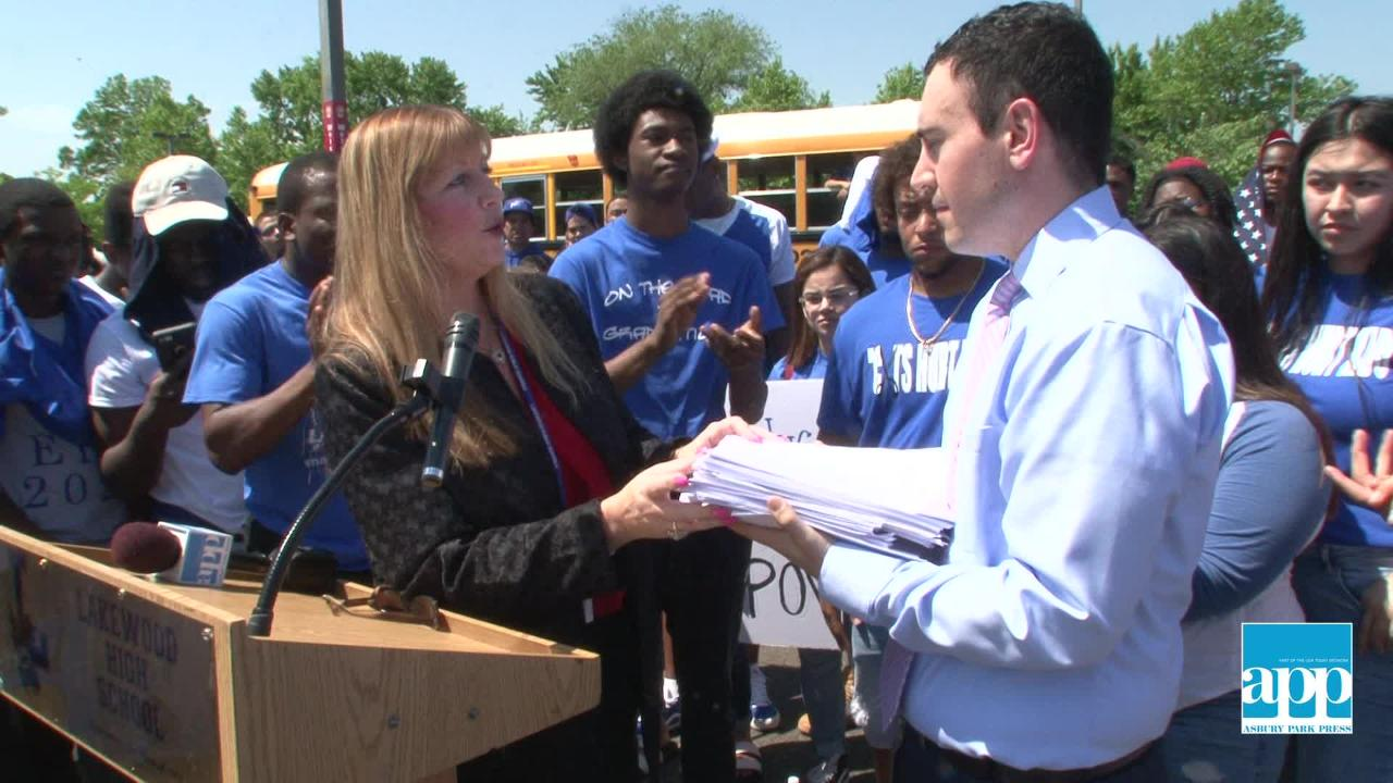 Lakewood High School brings their protest to Trenton