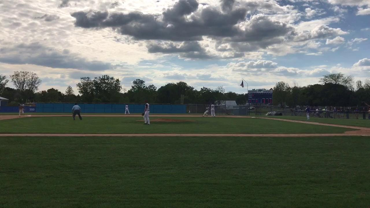 Horseheads defeated Ithaca, 6-3, on Wednesday to win the Section 4 Class AA baseball championship in front of its home fans.