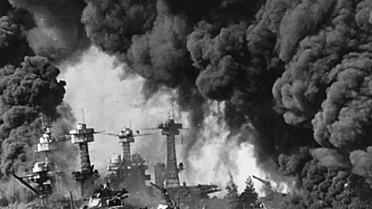 Navy veteran George Herold recalls the attack on Pearl Harbor and his time on submarines in the Pacific theater of World War II. Video by Tim Shortt. Posted 12/4/15.