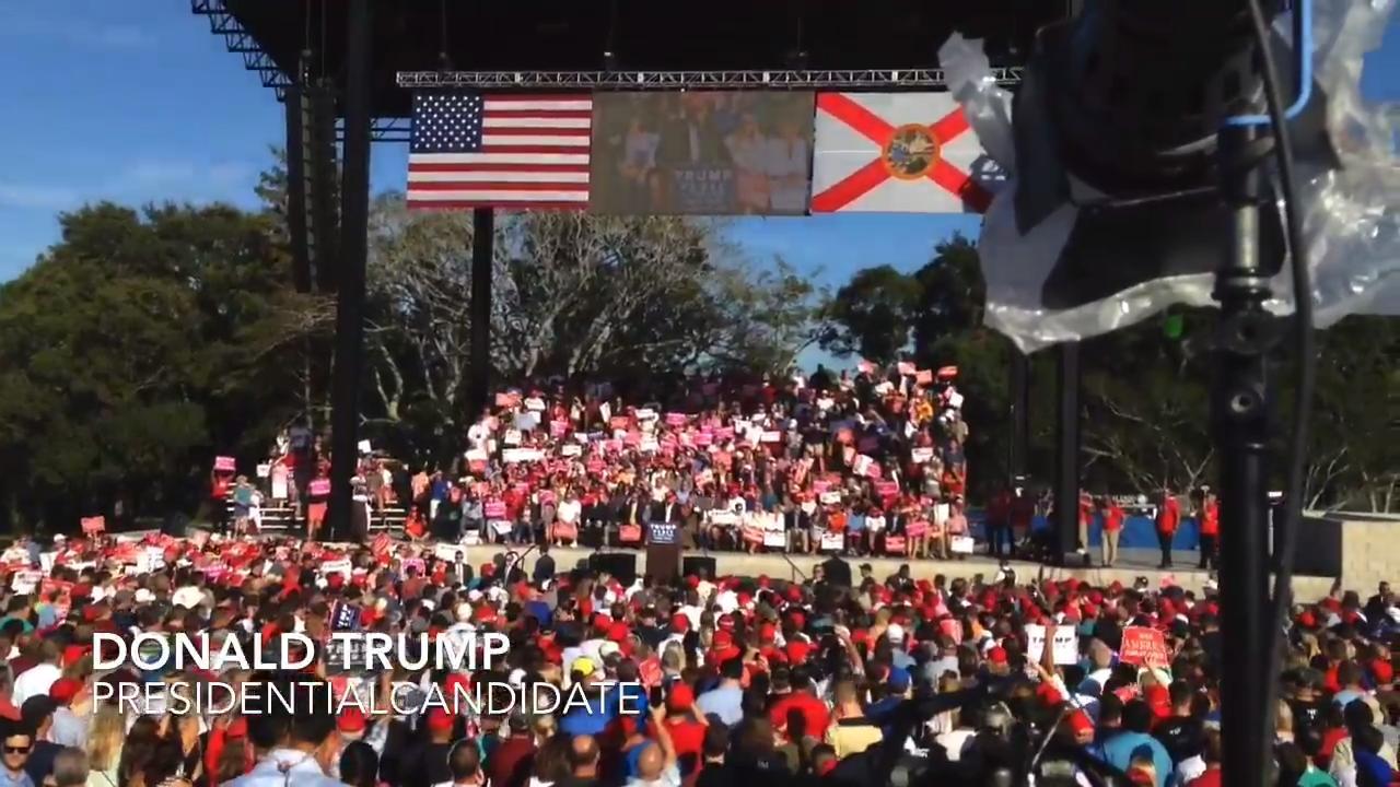 Donald Trump rallies supporters in Orlando