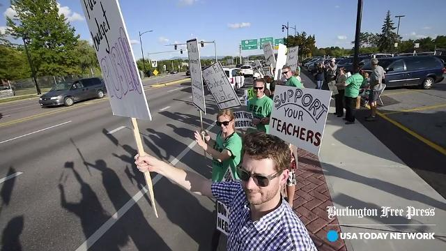 Teachers call for Burlington School Board to return to negotiations