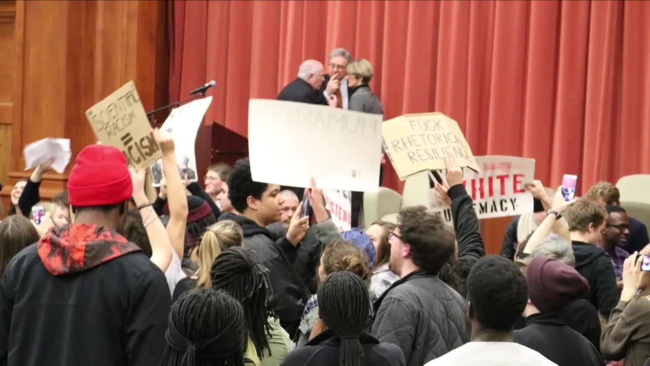 Middlebury sanctions protesters; students push back