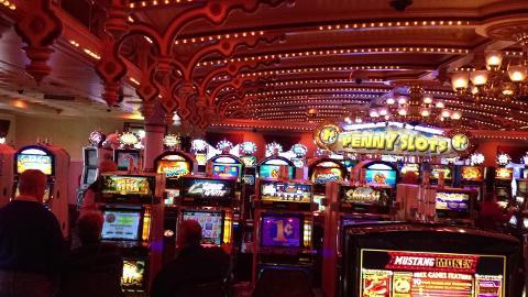 Cincinnati river boat gambling thunderbird casino