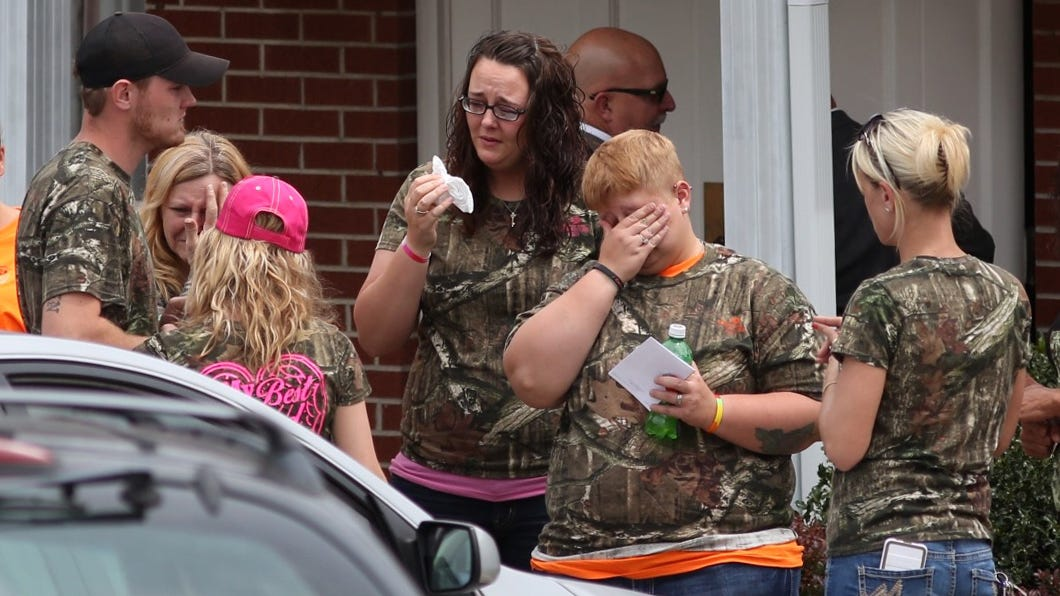 Mourners come together for six Pike County murder victims