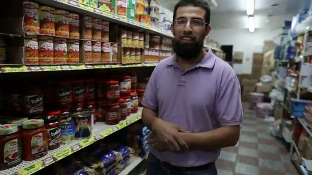 Video | Alwatan bakery helps refugees feel closer to home