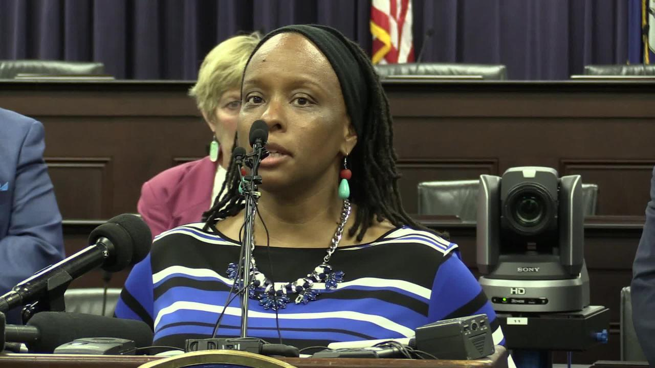 Rep. Attica Scott voices her opposition to HB 520 on charter schools