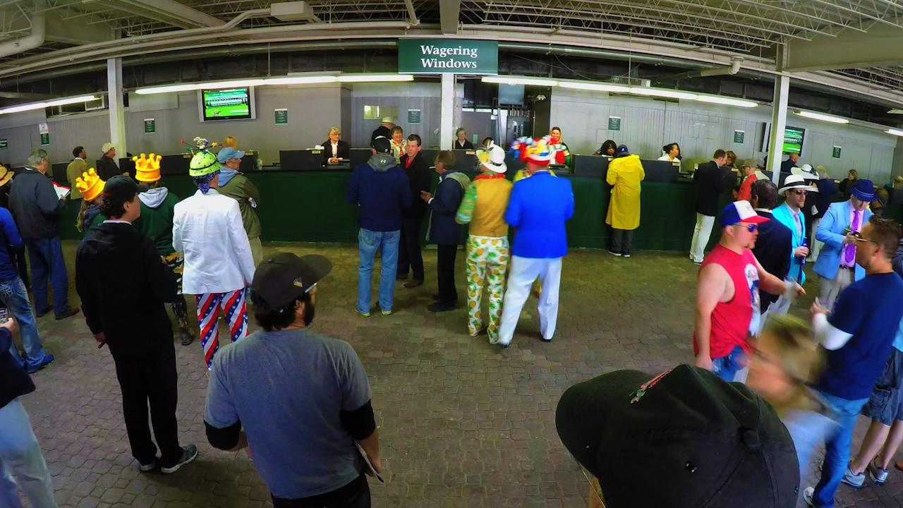 Derby 143 Time lapse: Betting window action